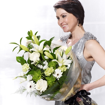 Picture of White Simplicity Presentation Bouquet