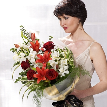Picture of Dramatic Red Presentation Bouquet