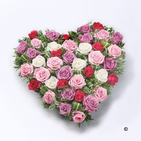 Picture of Mixed Rose Heart - Red and Pink