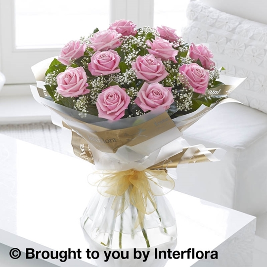 Picture of Heavenly 12 Pink Rose Hand-tied