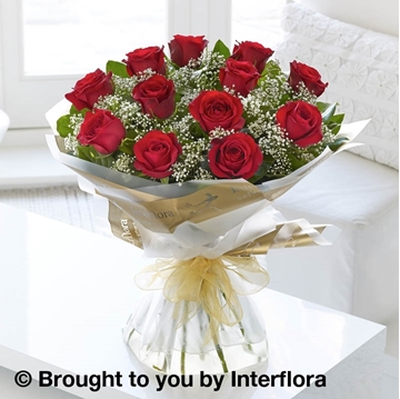 Picture of Heavenly 12 Red Rose Hand-tied
