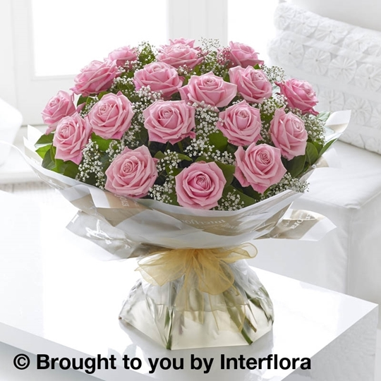 Picture of Heavenly 18 Pink Rose Hand-tied