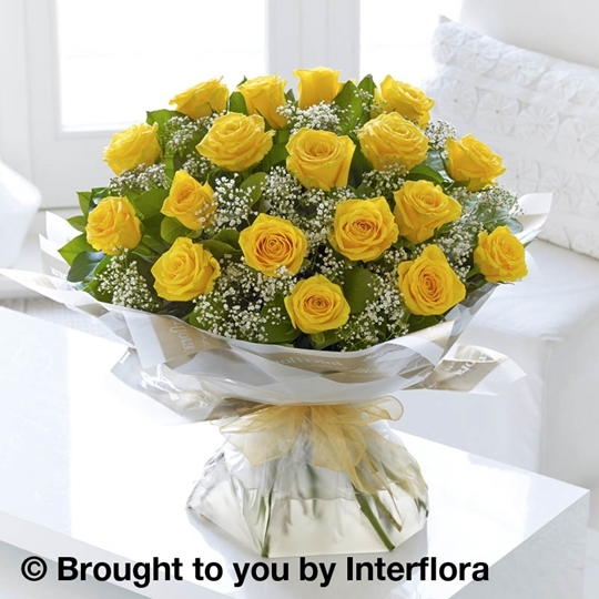 Picture of Heavenly 18 Yellow Rose Hand-tied