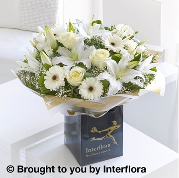 Picture of White Radiance Hand-tied