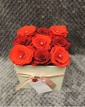 Picture of Everlasting Red Rose Hatbox