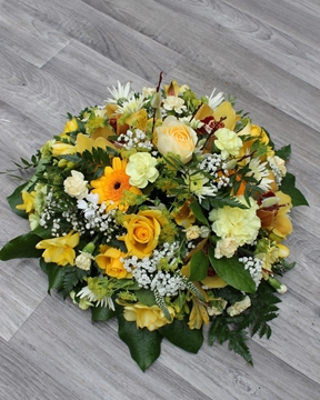 Picture of Woodland Posy - Yellow And White £45