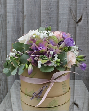 Picture of Refreshing Lilacs Hatbox
