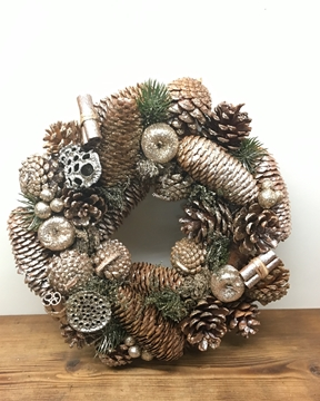 Picture of Gold Glittered Woodland Wreath