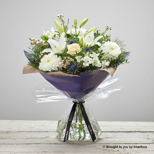 Picture of Twinkling Whites Hand-tied