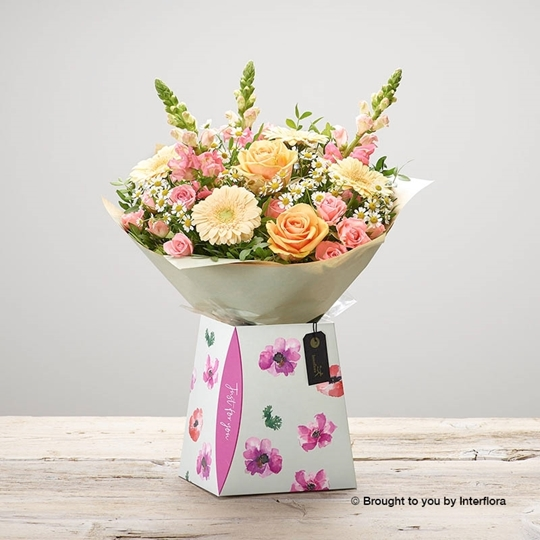 Picture of peaches and cream gift box