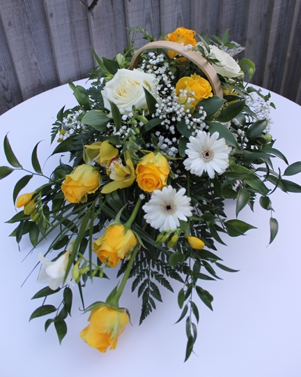Picture of Mixed Basket - Yellow and White £45