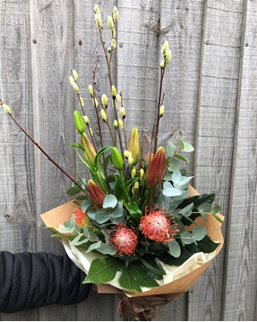 Picture of Lilly and Leucospermum Bouquet