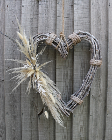 Picture of Wicker Heart - Pampas & Lavender Spray