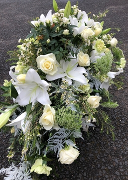 Picture of Classic Ivory Casket Spray