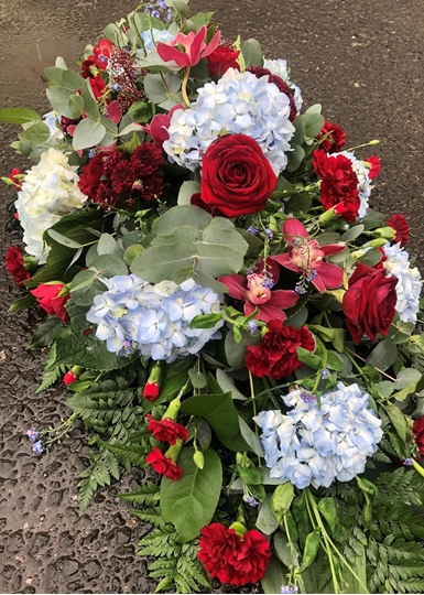 Picture of Claret and Blue Casket Spray