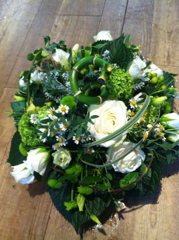 Woodland Posy - Ivory - Green