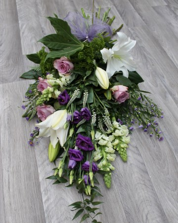 Hand Tied Sheaf Design -