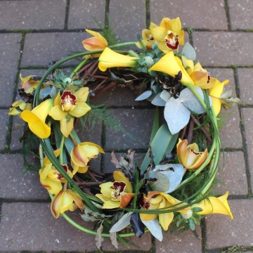 Woodland Wreath Display  - Yellow Calla Lily And Orchid