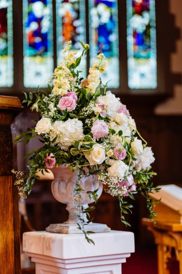 wedding florist - Warwickshire florist - Birmingham florist - brides bouquet - bridal flowers - shustoke farm barns florist - wedding flowers